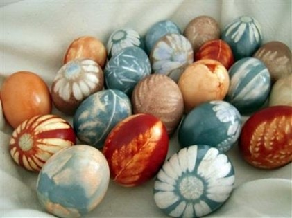 natural-dyed-eggs-diy_bigsislilsis