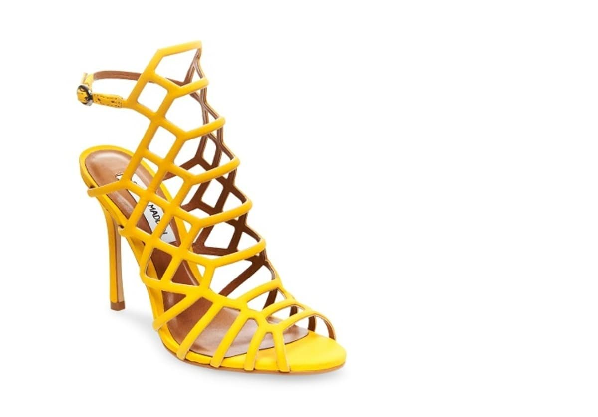 STEVEMADDEN-DRESS_SLITHUR_YELLOW-NUBUCK AED 429