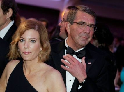 U.S. Defense Secretary Ash Carter and wife Stephanie attend the White House Correspondents' Association annual dinner in Washington, U.S. April 30, 2016. REUTERS/Yuri Gripas