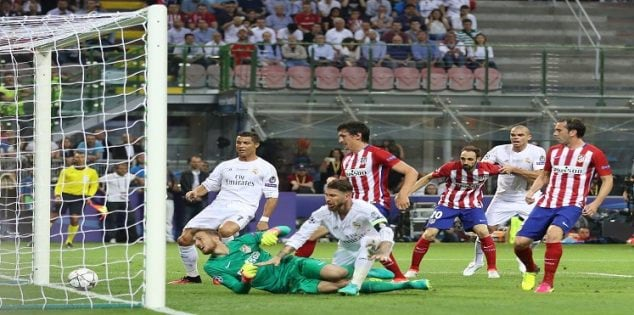 Soccer Football - Atletico Madrid v Real Madrid - UEFA Champions League Final - San Siro Stadium, Milan, Italy - 28/5/16 Sergio Ramos scores the first goal for Real Madrid Action Images via Reuters / Carl Recine Livepic EDITORIAL USE ONLY.