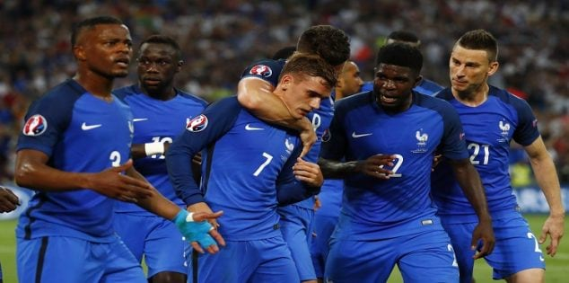 Football Soccer - Germany v France - EURO 2016 - Semi Final - Stade Velodrome, Marseille, France - 7/7/16 France's Antoine Griezmann celebrates with team mates after scoring their first goal REUTERS/Kai Pfaffenbach Livepic