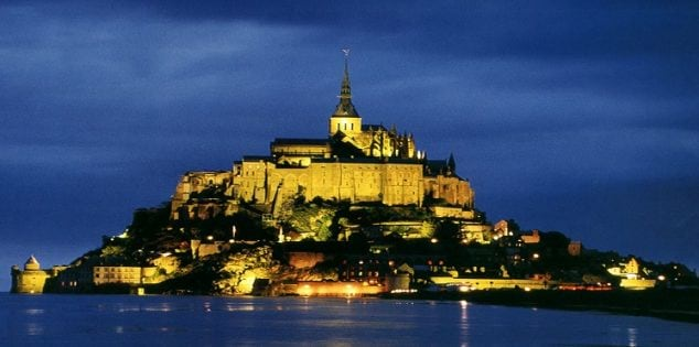 Most-Beautiful-Tourist-Attractions-In-France-Mont-Saint-Michel