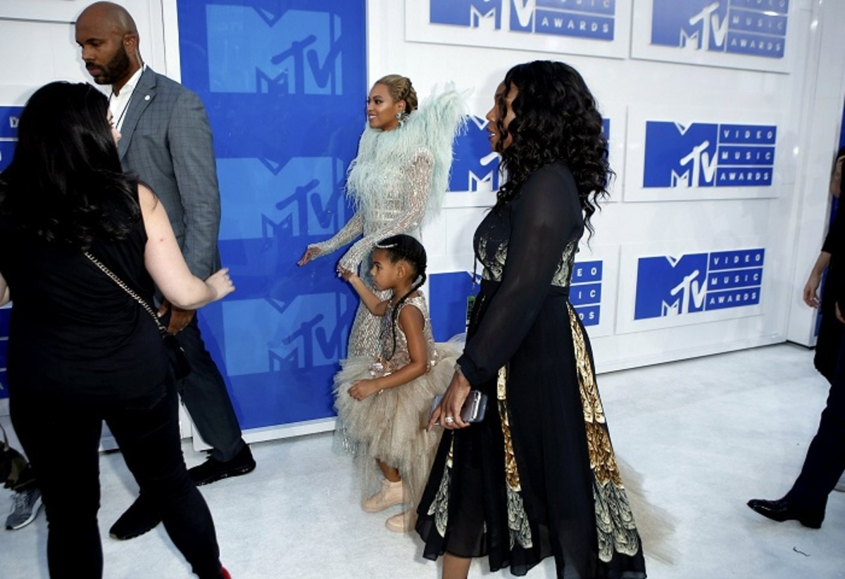 Singer Beyonce, with daughter Blue Ivy, arrive at the 2016 MTV Video Music Awards in New York