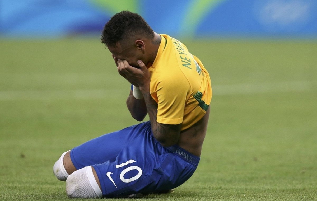 2016 Rio Olympics - Soccer - Final - Men's Football Tournament Gold Medal Match Brazil vs Germany - Maracana - Rio de Janeiro, Brazil - 20/08/2016. Neymar (BRA) of Brazil reacts. REUTERS/Marcos Brindicci FOR EDITORIAL USE ONLY. NOT FOR SALE FOR MARKETING OR ADVERTISING CAMPAIGNS.