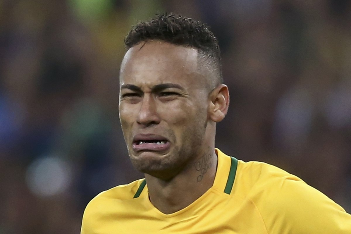 2016 Rio Olympics - Soccer - Final - Men's Football Tournament Gold Medal Match Brazil vs Germany - Maracana - Rio de Janeiro, Brazil - 20/08/2016. Neymar (BRA) of Brazil reacts after scoring the last penalty shootout. REUTERS/Marcos Brindicci FOR EDITORIAL USE ONLY. NOT FOR SALE FOR MARKETING OR ADVERTISING CAMPAIGNS.