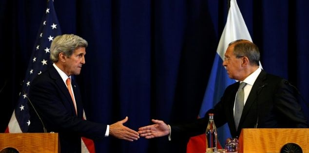 U.S. Secretary of State John Kerry and Russian Foreign Minister Sergei Lavrov (R) shake hands at the conclusion of their news conference following their meeting in Geneva, Switzerland where they discussed the crisis in Syria September 9, 2016. REUTERS/Kevin Lamarque TPX IMAGES OF THE DAY