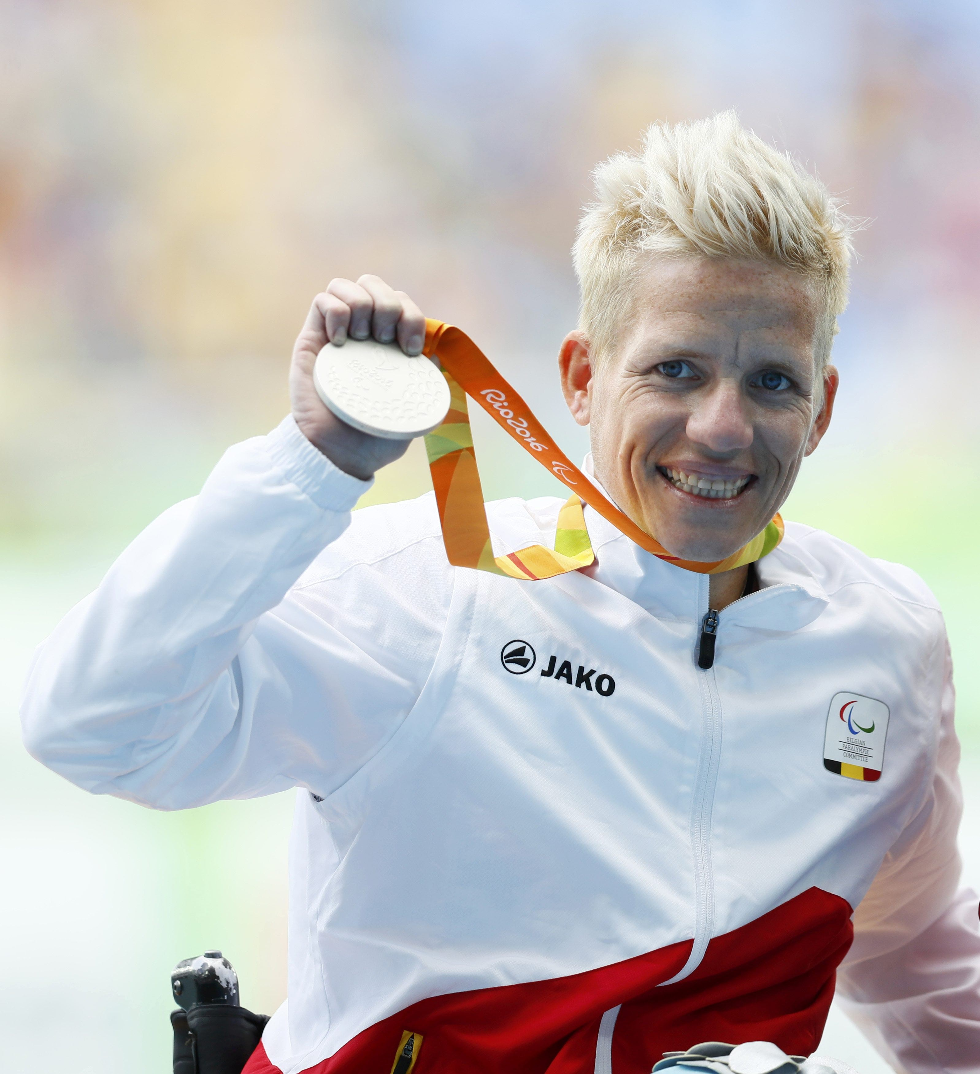 2016 Rio Paralympics - Women's 400m - T52 Final - Olympic Stadium - Rio de Janeiro, Brazil - 10/09/2016. Marieke Vervoort of Belgium celebrates with her silver medal during the presentation ceremony. REUTERS/Jason Cairnduff FOR EDITORIAL USE ONLY. NOT FOR SALE FOR MARKETING OR ADVERTISING CAMPAIGNS.