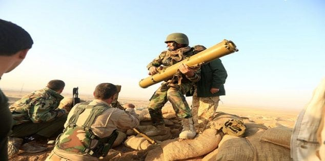 Peshmerga forces prepare their anti-tank guided missiles in front of Islamic state militants' positions at the town of Naweran near Mosul, Iraq October 20, 2016. REUTERS/Zohra Bensemra