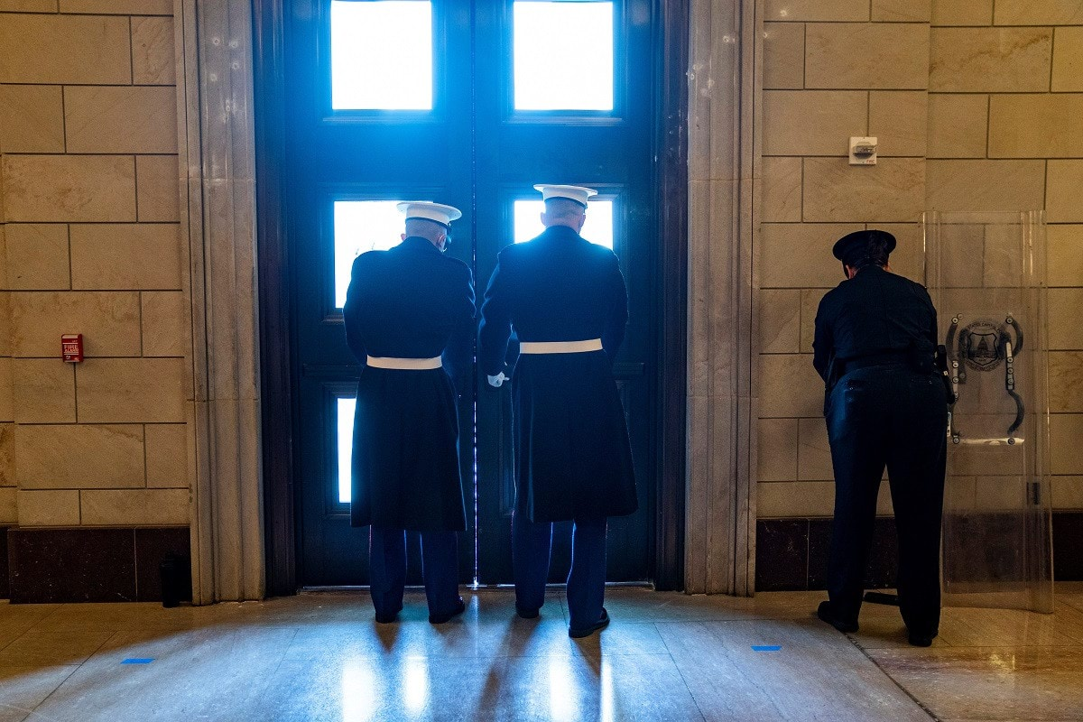 white-house-marine-sentries-secure-the-east-front-door-of-the-u-s-capitol